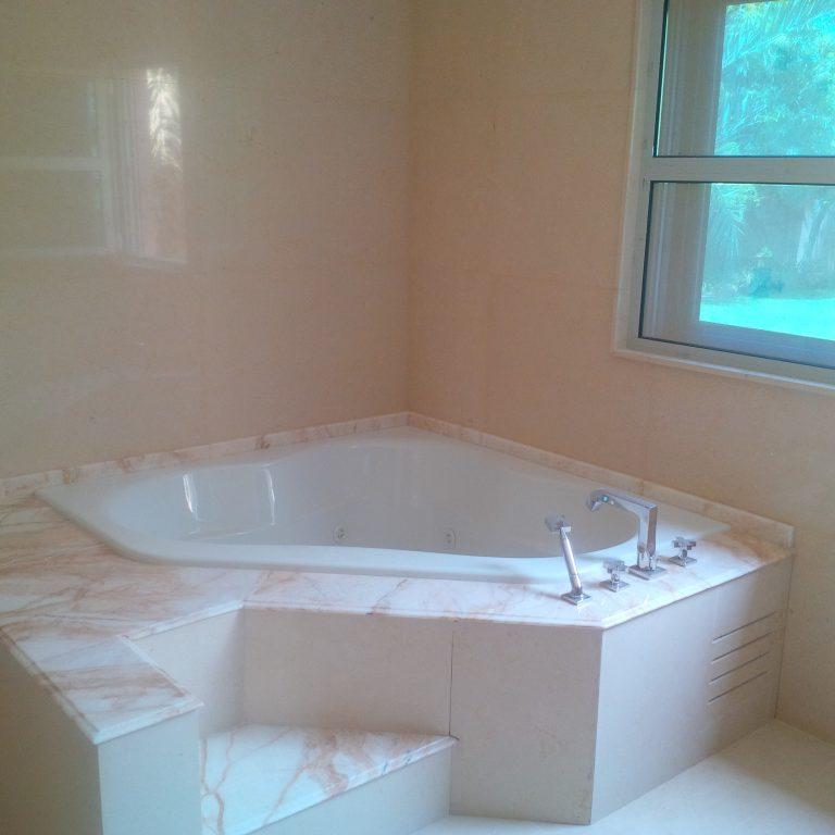 Master Bathroom Jacuzzi- Platinum Cream/Golden Spider Marble Works
